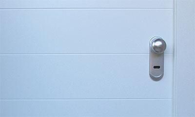 Puertas de entrada blindadas y acorazadas en m laga - Puertas exterior malaga ...