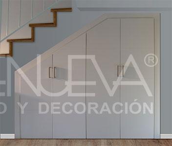armario en buhardilla corredera armario abatible escalera armario lacado frente escalera irregular